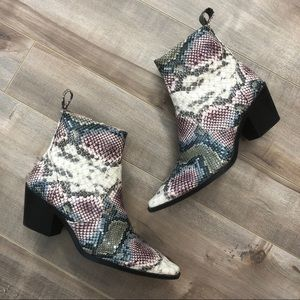 Zara multicolor snakeskin print heeled booties